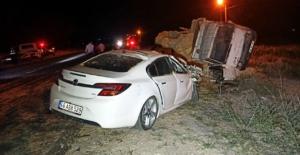 Elbistan'da otomobil ile kamyon çarpıştı:...