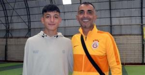 Elbistan Futbol Okulu'nda yetişen 2 öğrenci Süper Lige transfer oldu