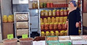 Elbistan'da organik gıda satarak geçimini sağlıyor