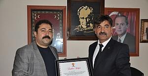 AK Partiden MHP'ye teşekkür ziyareti