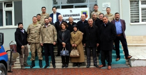 AK Partiden askere moral ziyareti