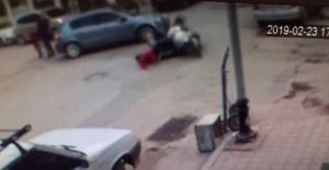 Otomobil ile elektrikli bisiklet çarpıştı 2 yaralı