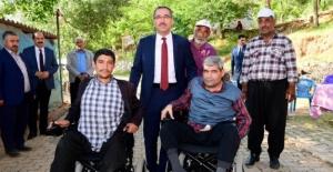 Başkan Güngör, engelli kardeşlere sahip çıktı