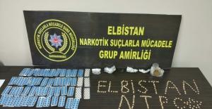 Aile görünümlü uyuşturucu tacirleri yakalandı