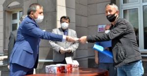 Elbistan'da 25 bin maske dağıtımı yapıldı
