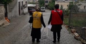 Elbistan'da bin 300 yetime bayram hediyesi