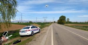 """Jandarmadan """"drone"""" ile trafik denetimi"""