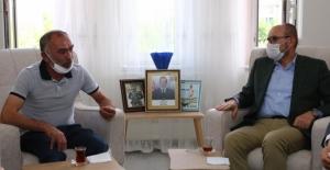 AK Parti Genel Başkan Yardımcısı Mahir Ünal'dan şehit ailesine ziyaret