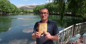 Fuat Bostancı şiirlerini 'Bağlamamın Yedi Teli' adlı kitapta topladı