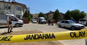 Akrabalar arasında silah ve bıçaklı kavga: 1 öldü, 5 yaralı