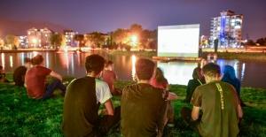 Elbistan Belediyesi'nin 'Açık Hava Sineması'na büyük ilgi
