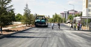 Elbistan'da bir mahalle daha tozdan kurtarılıyor
