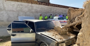 Elbistan'da polisin 'Dur' uymayan sürücü kaza yaptı