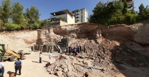 Göçük altında kalan 2 işçi hayatını kaybetti