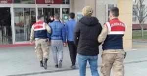 Av tüfeğiyle gasp yapan 2 kişi tutuklandı