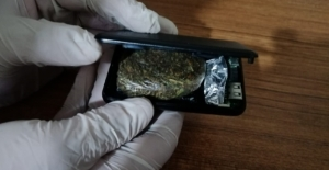 Uyuşturucuyu şarj cihazına sakladılar