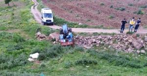 Traktörün altında kalan yaşlı adam öldü