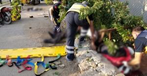 Freni boşalan sepetli motosiklet duvara çarptı: 1 ölü 2 ağır yaralı