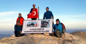 Nurhak dağlarında özgürlük şarkıları söylemek