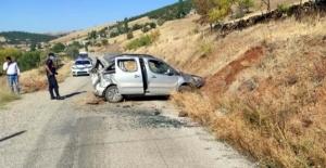 Ekinözü'nde trafik kazası 3 yaralı