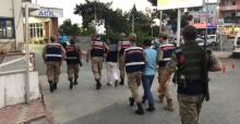 Aranması olan iki kişi yakalandı