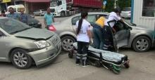 Otomobiller çarpıştı 1 yaralı