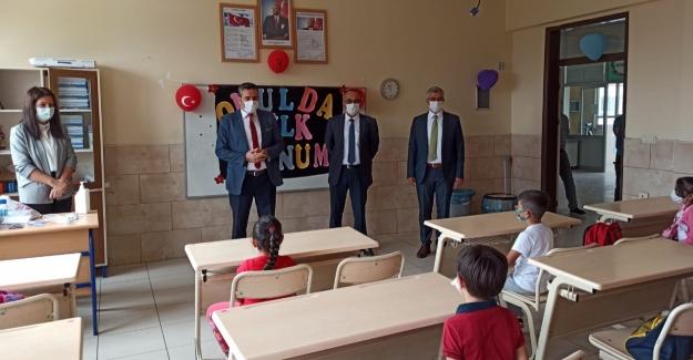 Elbistan'da 4 bin öğrenci ders başı yaptı